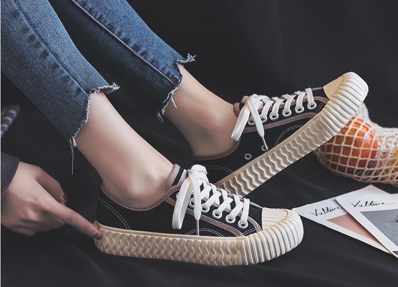 แฟชั่นรองเท้าผ้าใบ ผู้หญิง ปี 2020 ไม่มีไม่ได้แล้ว!