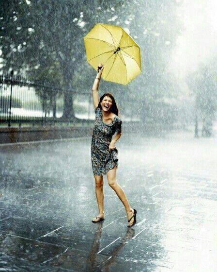 แฟชั่นหน้าฝน หนีไม่พ้น ร่มน่ารัก ๆ สไตล์สุดชิค-ร่มสวยๆ