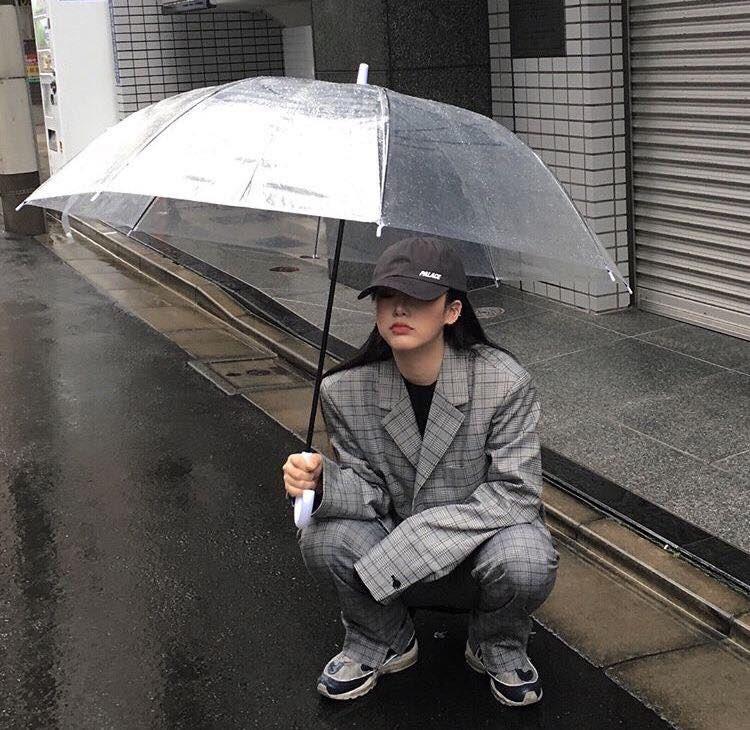 แฟชั่นหน้าฝนต้อง ร่มน่ารัก ๆ สไตล์สุดชิค