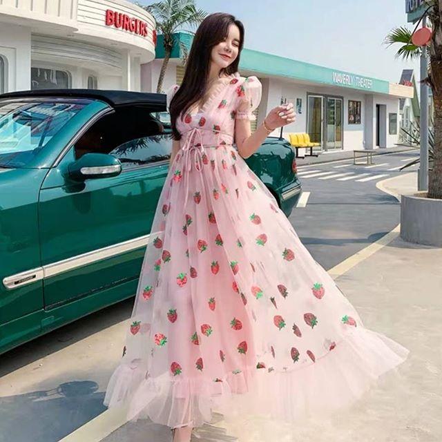 เดรสสตอเบอรี่ (Strawberry dress) แฟชั่นสายหวาน สวยสุด
