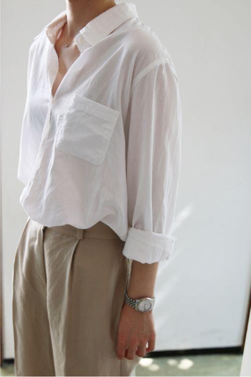 เสื้อเชิ้ตสีขาว ง่ายๆในวันทำงาน