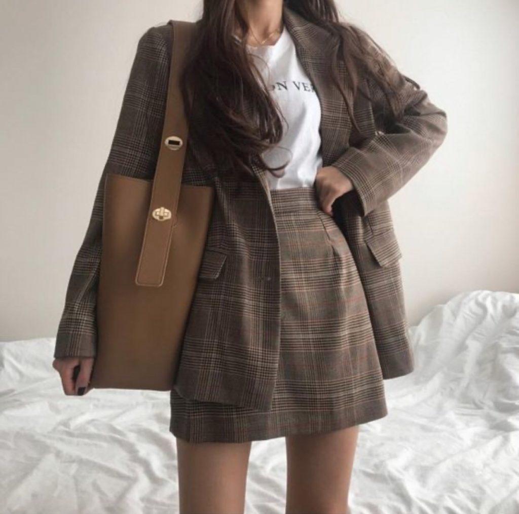 เสื้อเบลเซอร์ (Blazer) เสื้อคลุมสไตล์สูท แฟชั่นฮิต สุดชิค 2020 เที่ยวหรือทำงานก็ได้