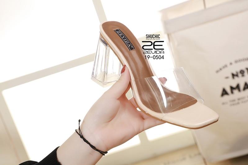 แฟชั่นรองเท้าแก้ว 2020 สวยแรง