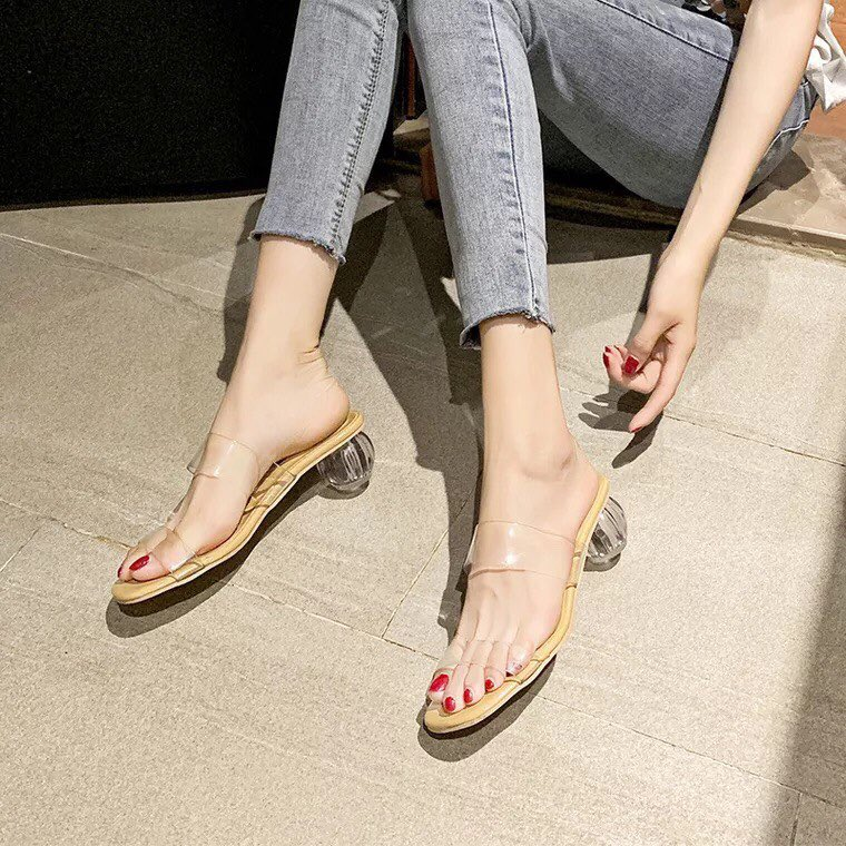 แฟชั่นรองเท้าแก้ว 2020 รุ่นแม่อั้ม