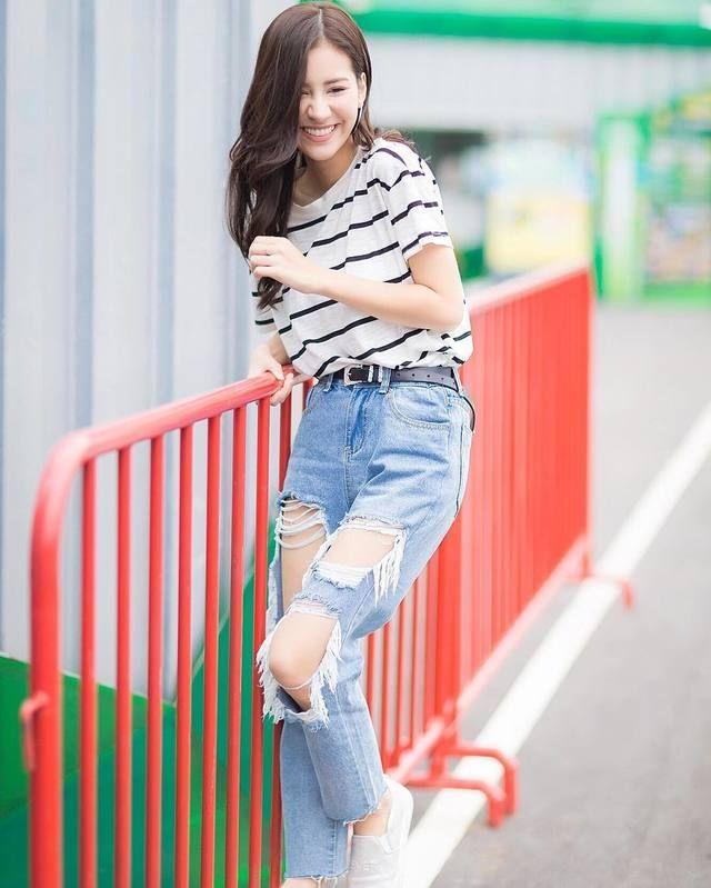 น่ารักใสๆก็ใส่แนวนี้น่ารักไปอีก แฟชั่นเสื้อยืดกางเกงยีนส์