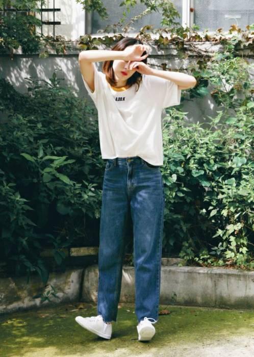 แฟชั่นเสื้อยืดกางเกงยีนส์ที่ลักษณะสไตล์อาร์ตติส ใส่เท่ๆ