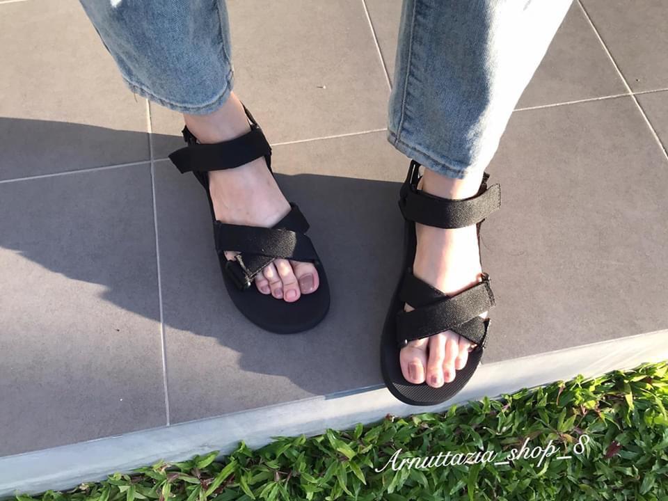 รองเท้าแตะรัดส้น ต้องมี
