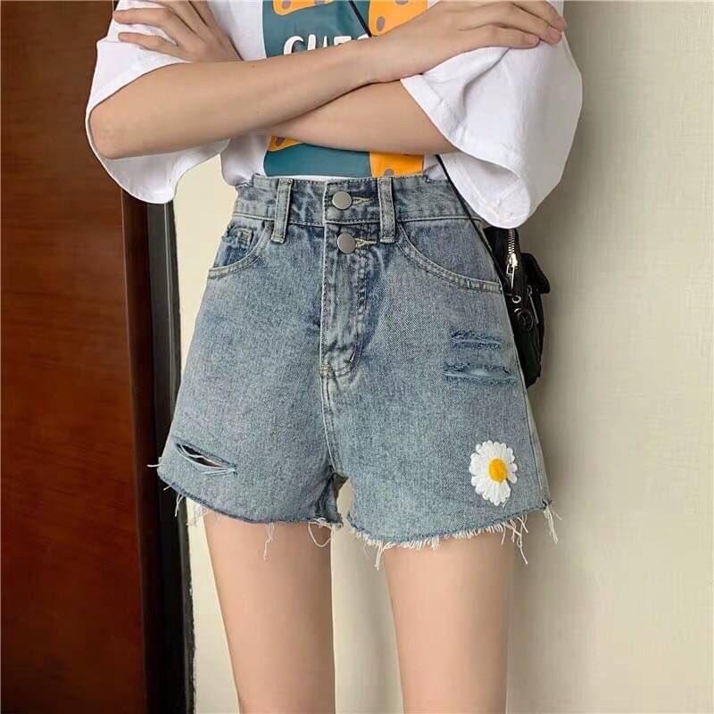 กางเกงยีนส์ขาสั้น 2020 แบบดอกเดซี่