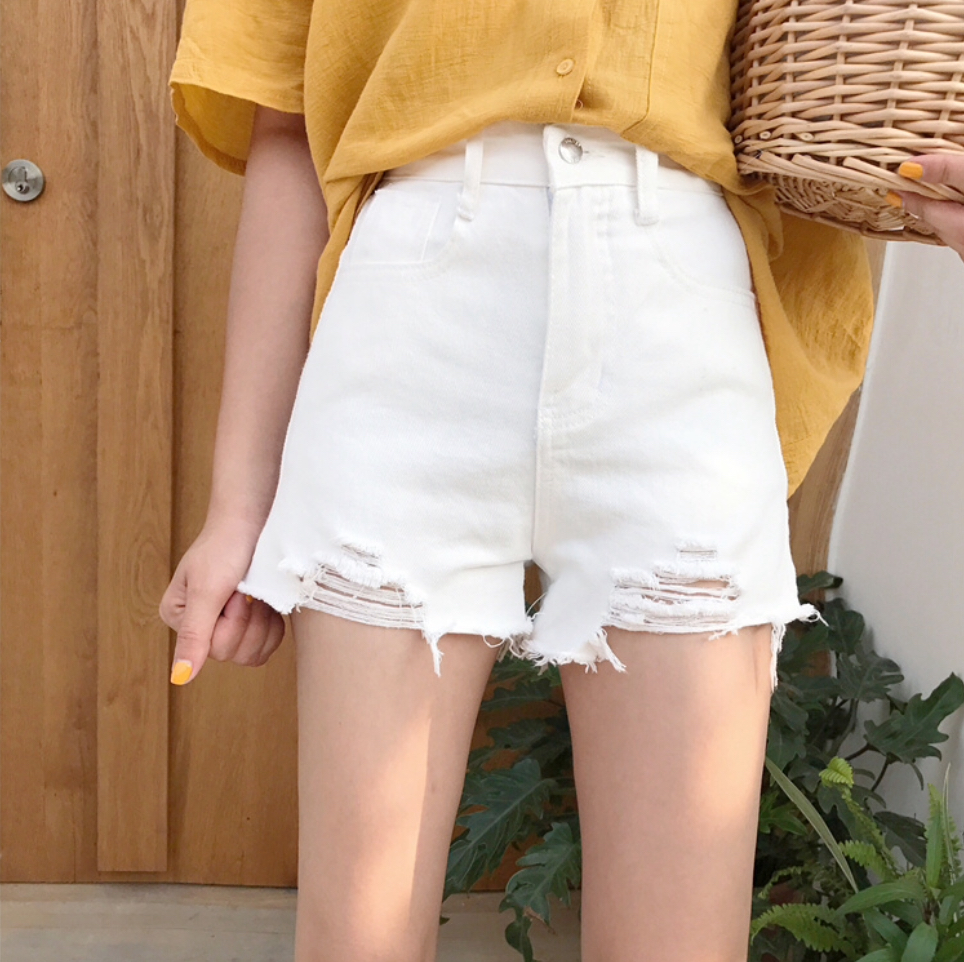 กางเกงสีขาว ขาดๆก็คุณหนูได้