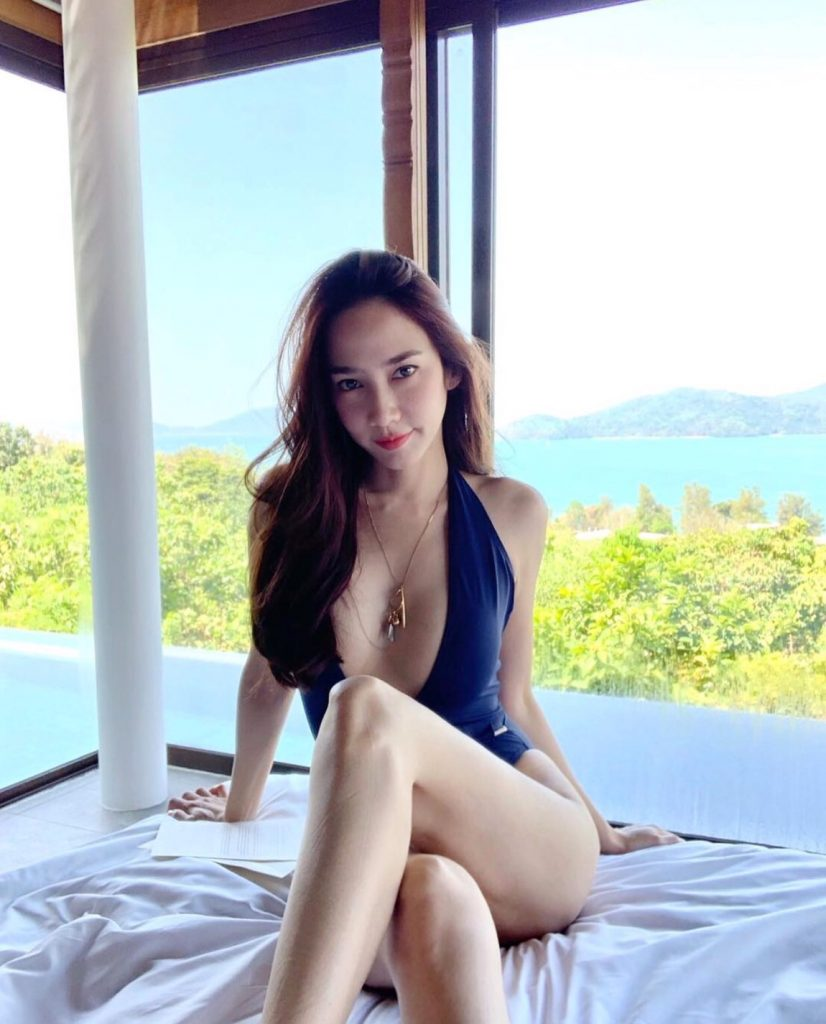 ส่องแฟชั่น ชุดว่ายน้ำ 2020 เซเลบดาราไทยสุดแซ่บ กับแม่อั้มกับภาพที่สวยงาม