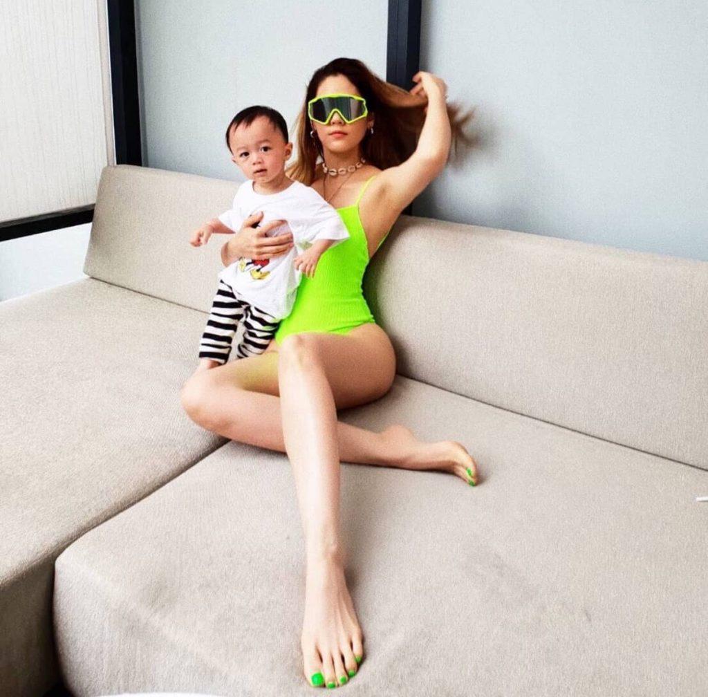 ส่องแฟชั่น ชุดว่ายน้ำ 2020 เซเลบดาราไทยสุดแซ่บ แห่งปี