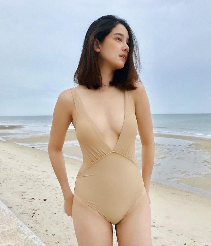 ส่องแฟชั่น ชุดว่ายน้ำ เซเลบดาราไทยสุดแซ่บ 2020 สนั่นเมือง