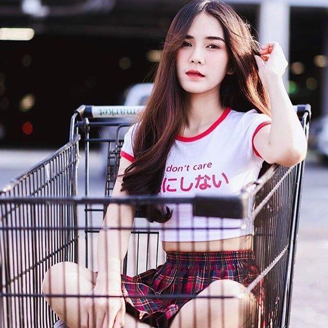 แฟชั่น เสื้อครอปรัดรูป แบบหวานๆแบบสาวเอเซีย