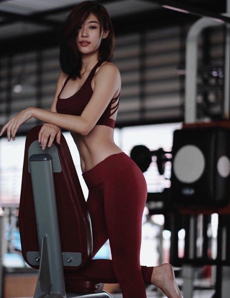 ชุดออกกำลังกายดารา สาวสวยสายรักสุขภาพ ยิปซี