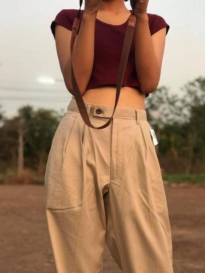 กางเกงทรงลุงขายาว กับเสื้อครอปแนววินเทจ