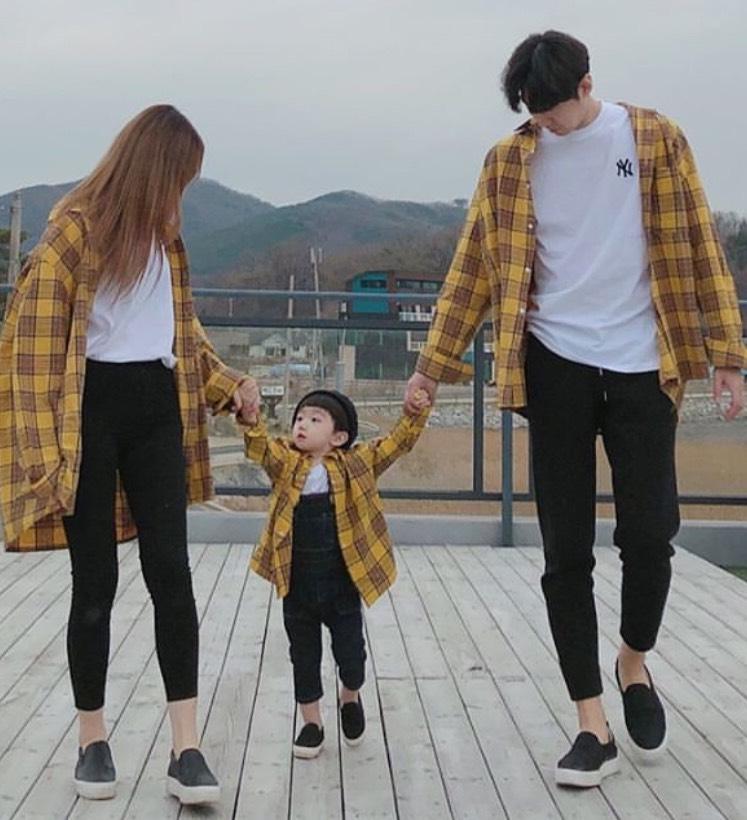 ชุดครอบครัว ไปไหนก็ใส่ชุดเหมือนกันน่ารักจัง