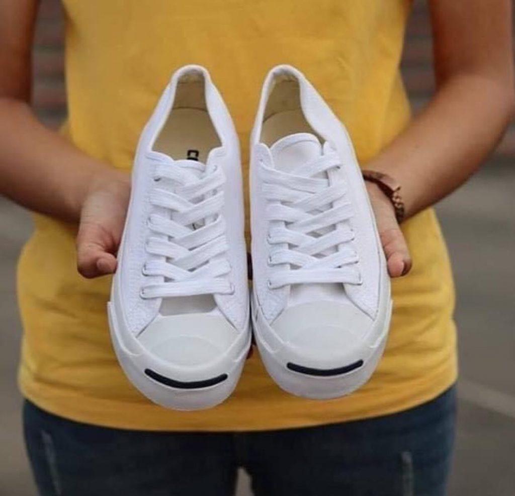 รองเท้าคอนเวิร์ส (Converse All Star) แบบสวยๆ