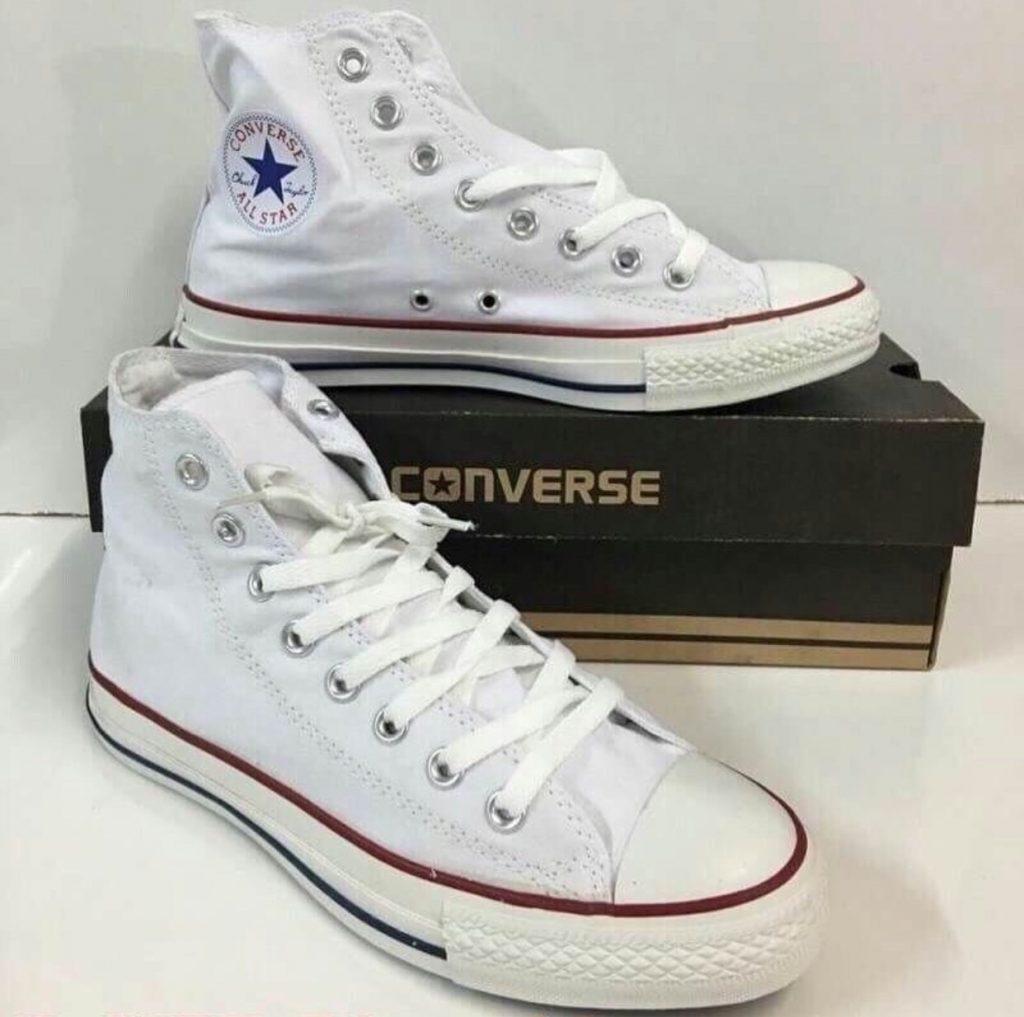 รองเท้าคอนเวิร์ส (Converse All Star) หุ้มข้อสีขาว