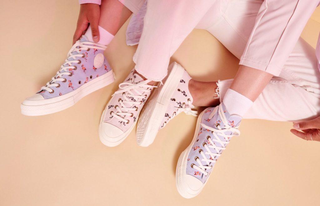 รองเท้าคอนเวิร์ส (Converse All Star) แบบมุ้งมิ้ง
