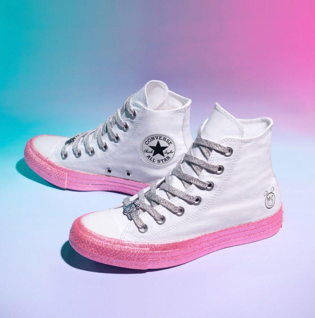 รองเท้าคอนเวิร์ส (Converse All Star) หุ้มข้อสาวหวาน