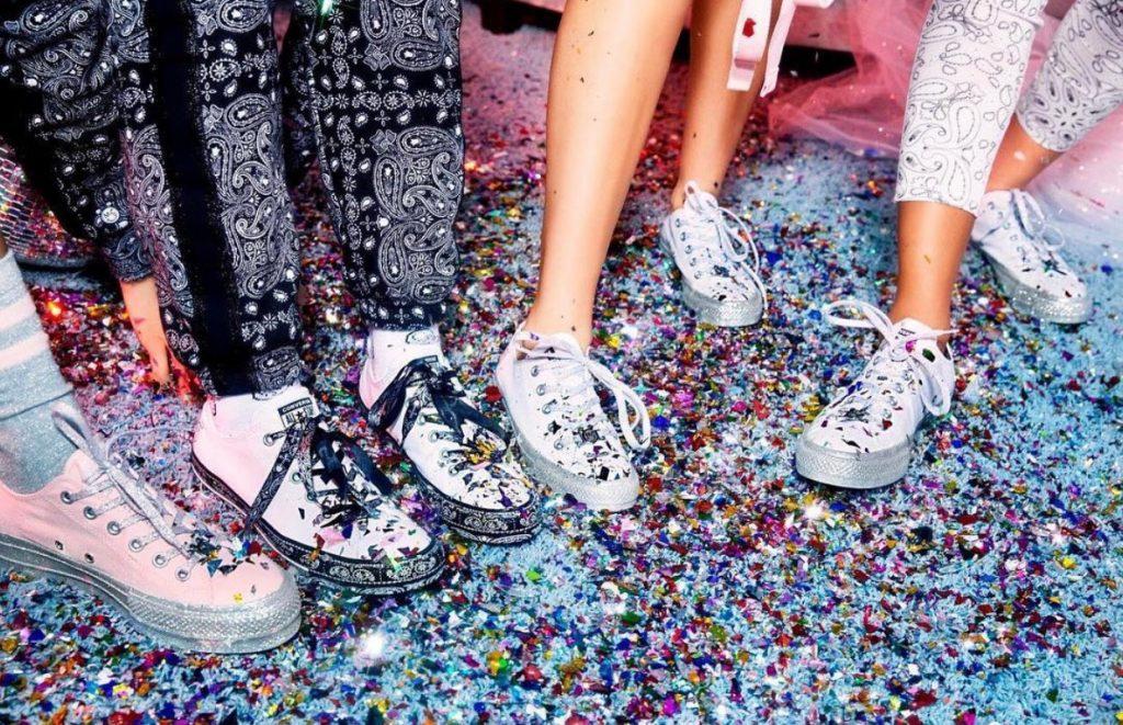 รองเท้าคอนเวิร์ส (Converse All Star) วิ๊บวับมาก