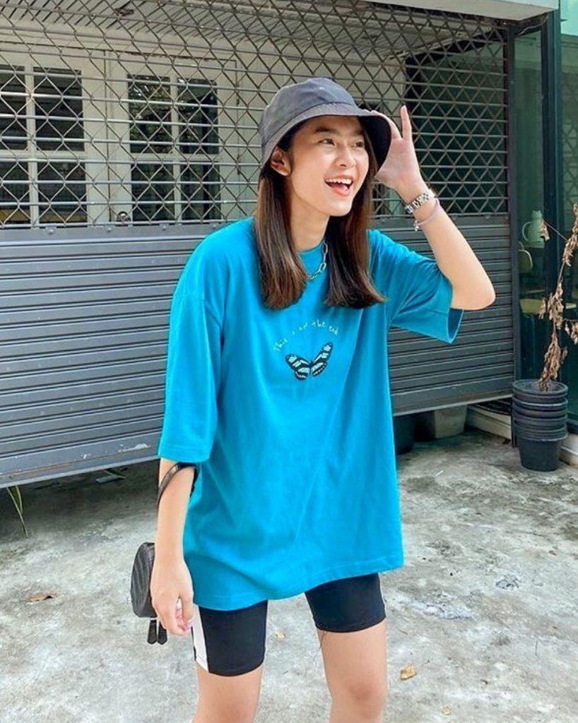 เสื้อยืดวินเทจ สีฟ้าสวยใส