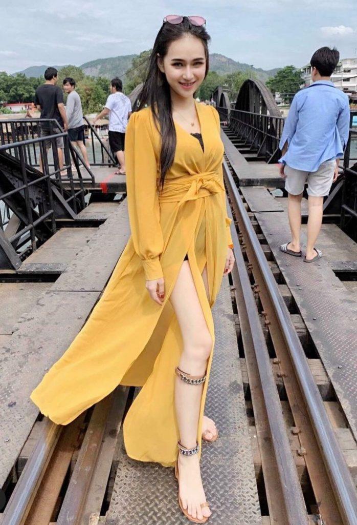 แฟชั่นสีเหลือง 2020 ใส่ถ่ายรูปสวย