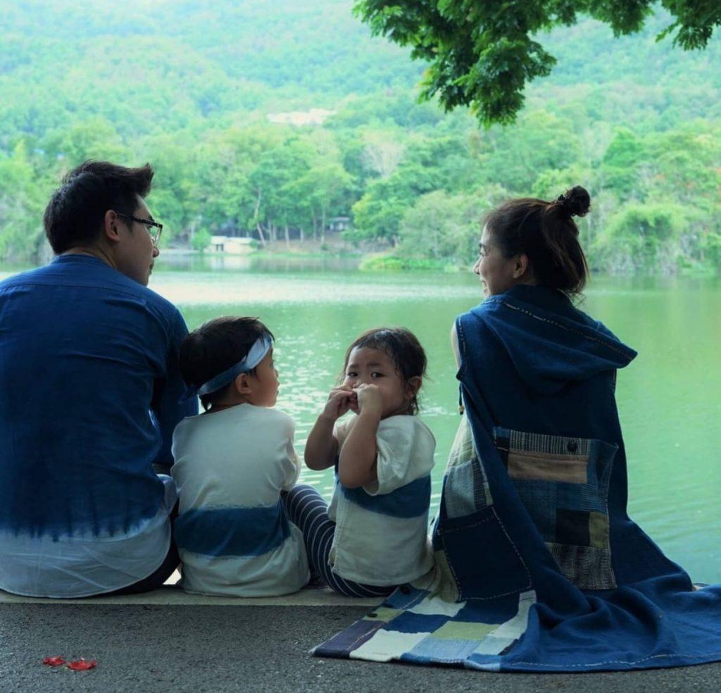 ชุดครอบครัว แบบมัดย้อม