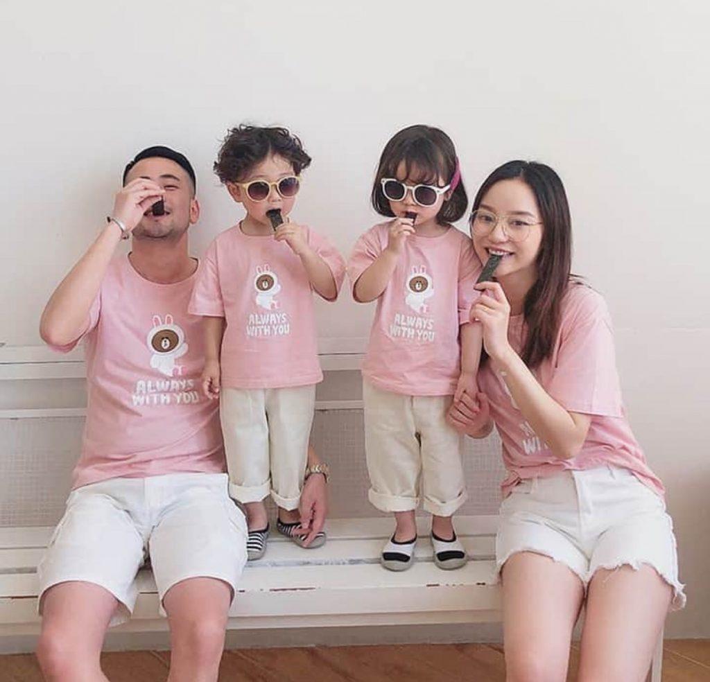 ไปเที่ยวด้วยกันใส่ชุดเหมือนกันด้วย ชุดครอบครัว