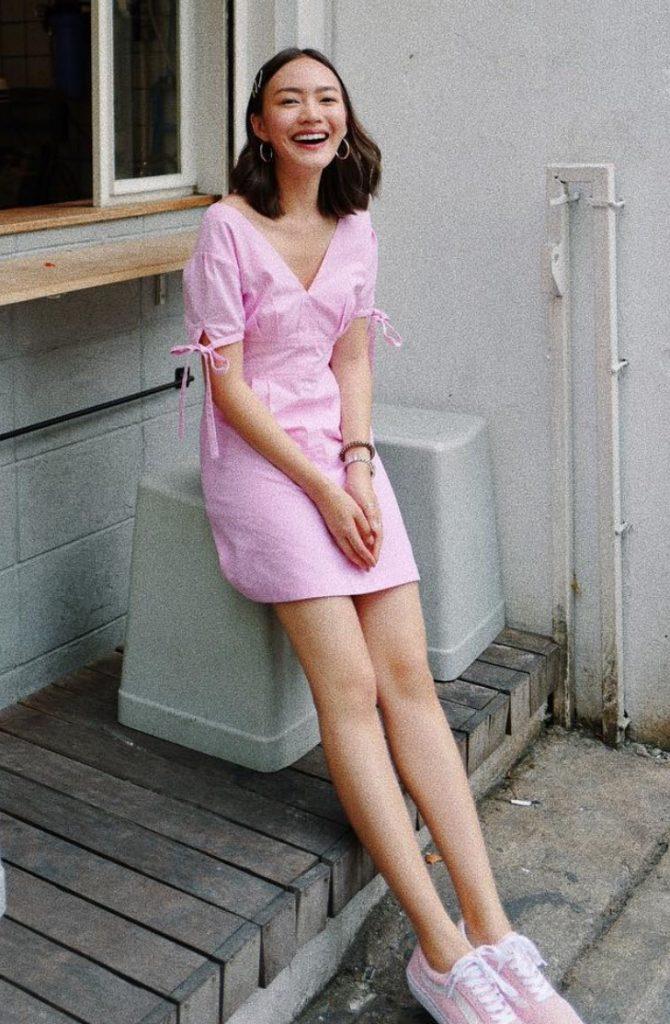 เดรสสีชมพู เพิ่มความสดใสเมื่อสวมใส่
