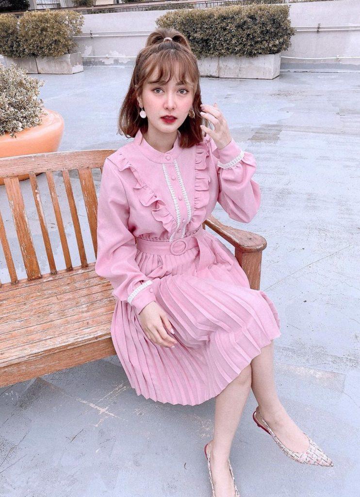 เดรสสีชมพู น่ารักไปอีกกับชุดนี้