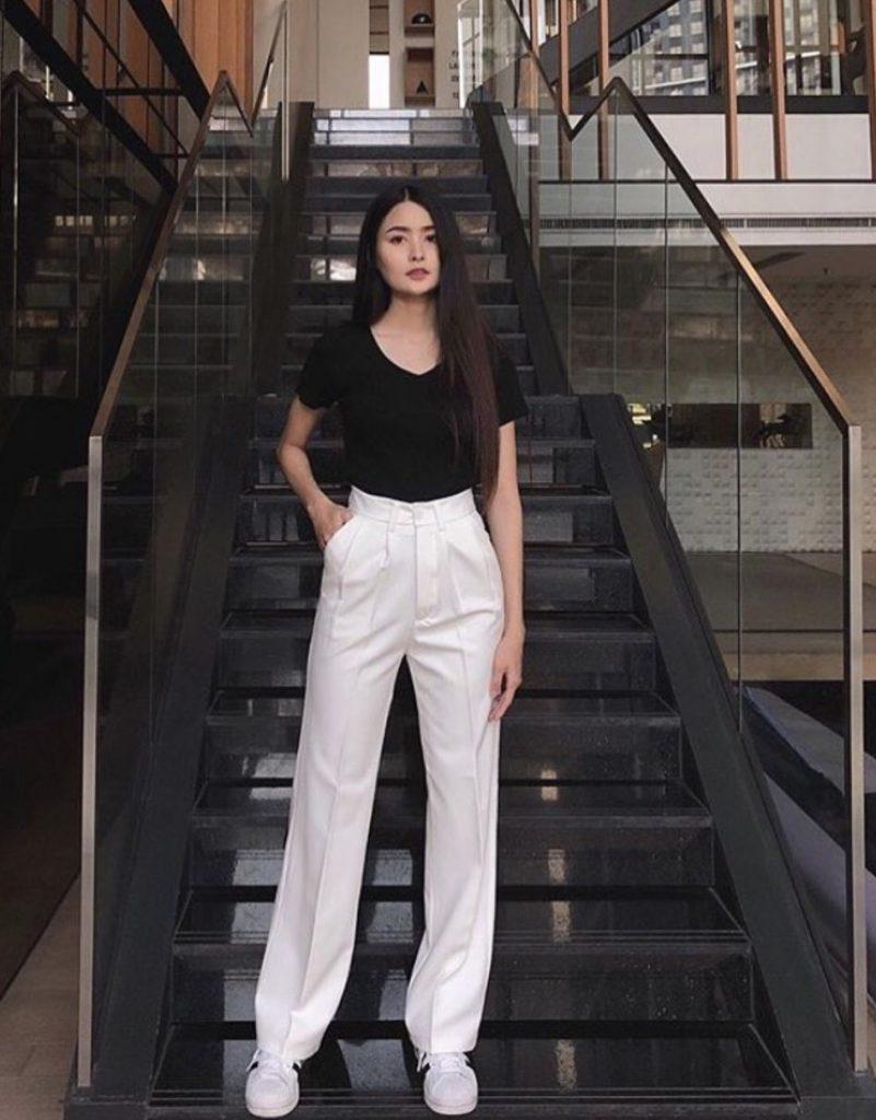 กางเกงผ้าขากระบอก สีขาวแมทช์ได้ทุกสี
