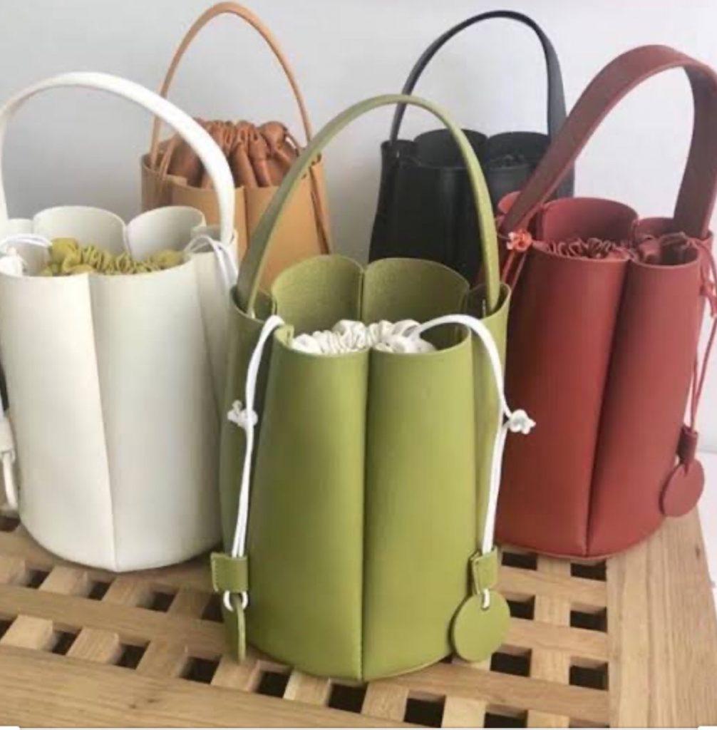 กระเป๋าทรงถัง  หลากหลายรูปแบบ