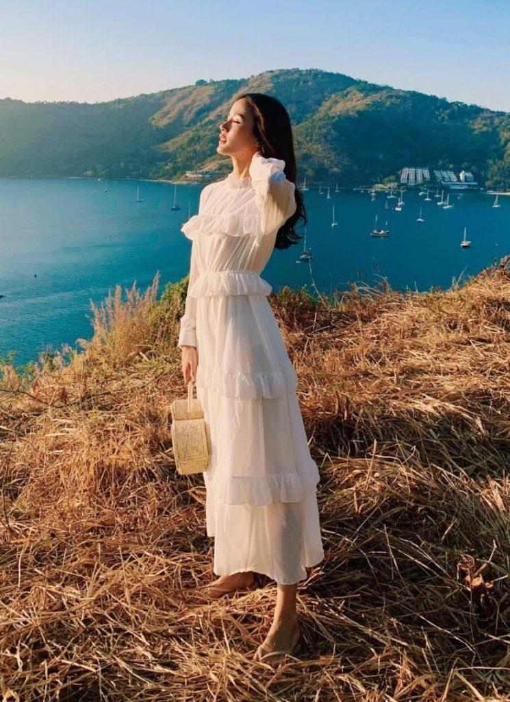 ชุดเดรสผ้าชีฟอง 2020 สีขาวสวยๆ