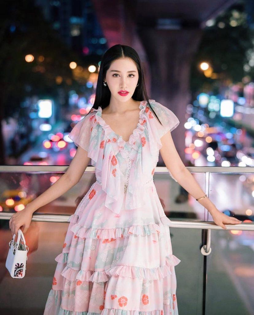 ชุดเดรสผ้าชีฟอง แบบยาว สีชมพูหวานมาก