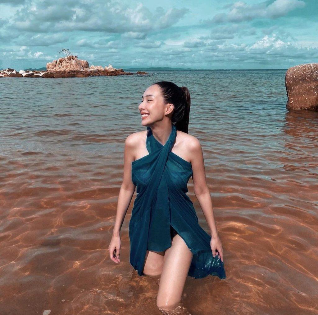 ชุดเดรสผ้าชีฟอง ไปทะเลสวยมาก