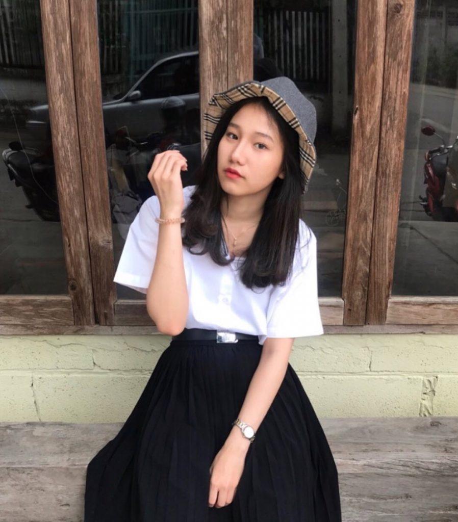 ชุดนักศึกษา 2020 สาวเท่ๆ แนววินเทจ