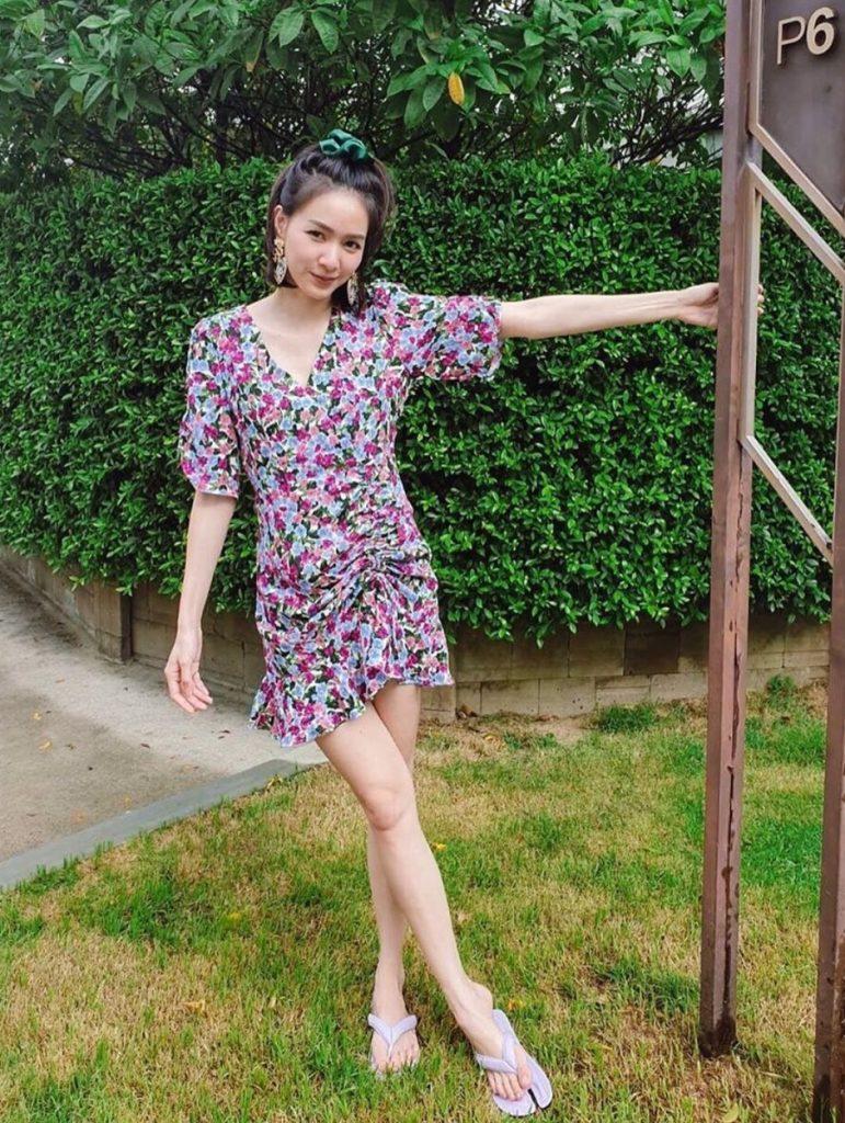 เดรสสีม่วง (Purple dress) สวยๆสไตล์คุณโฟร์
