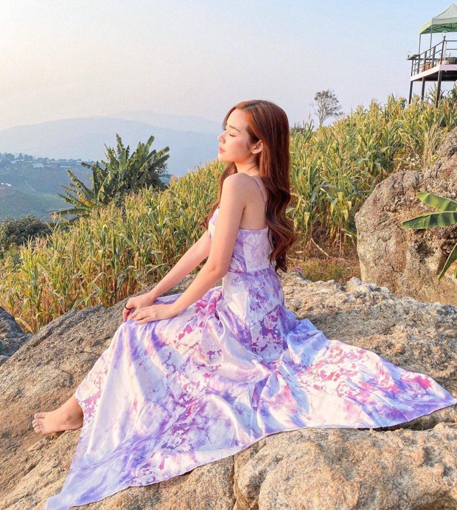 เดรสสีม่วง (Purple dress) แบบยาว สายเดี่ยวใส่แล้ว ละมุนสุด