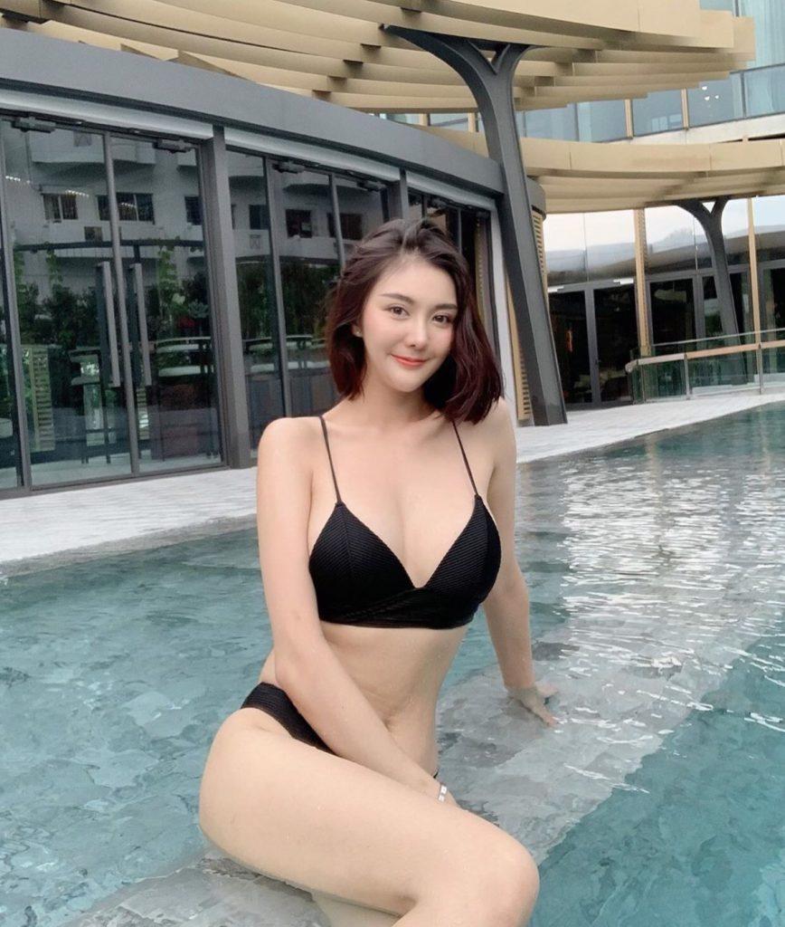 ชุดว่ายน้ำทูพีช 2020 สวยปังไม่ไหว