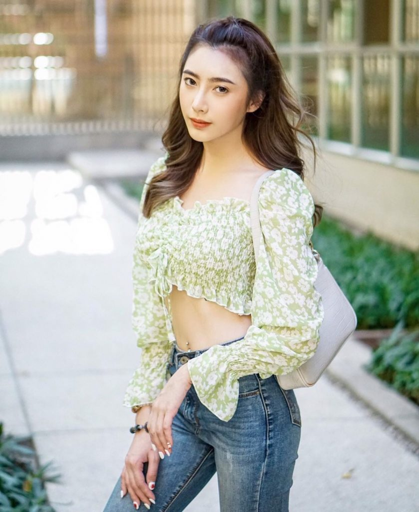 แฟชั่นเสื้อสีหวาน สีเขียวลายดอกเพิ่มความหวาน