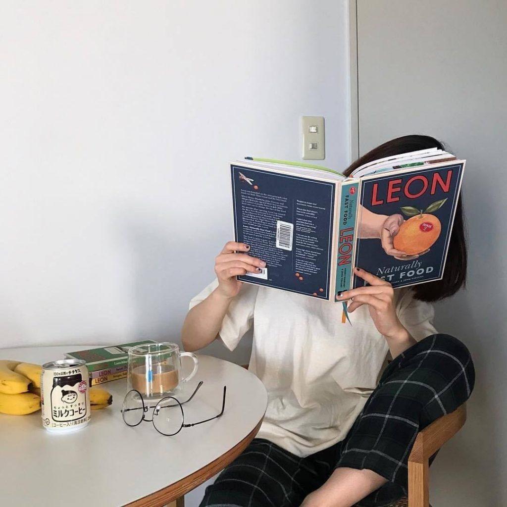 โพสท่าอ่านหนังสือ 2020 เก๋ๆ