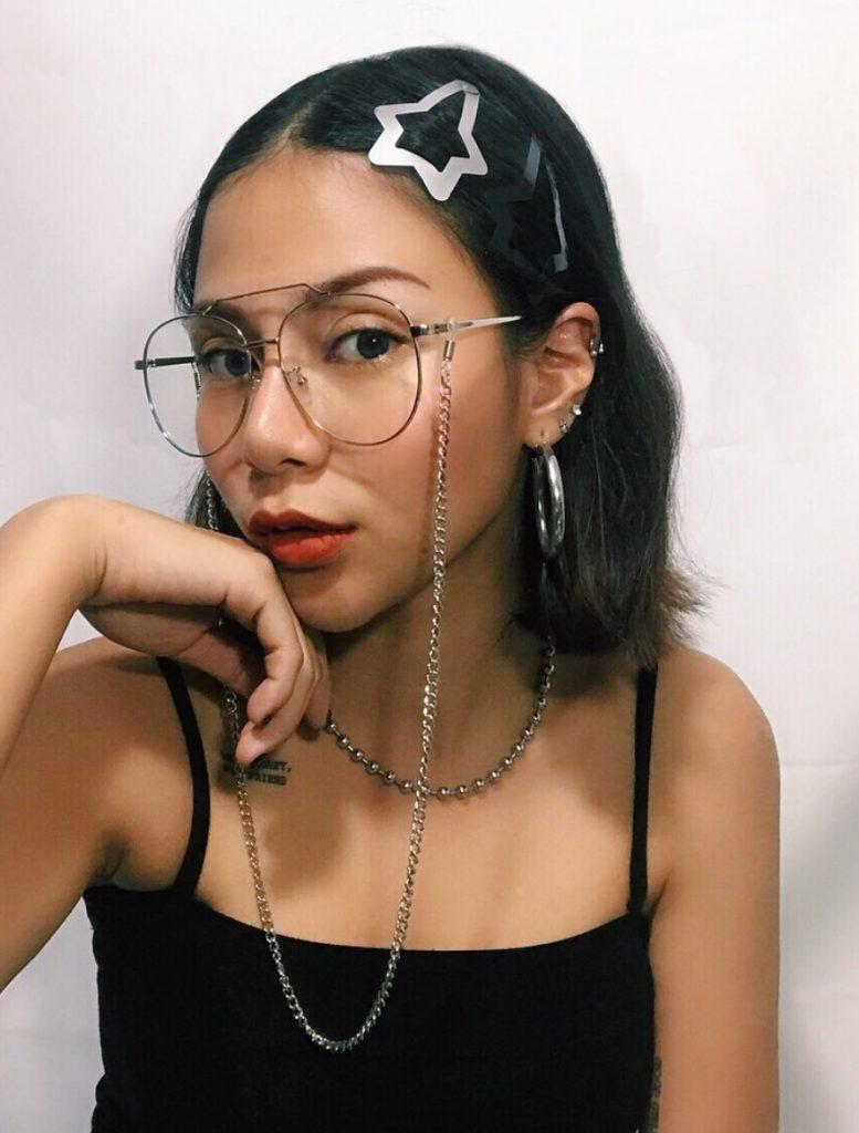 สายคล้องแว่น ทำให้การใส่แว่นดูไม่ป้าอีกต่อไป