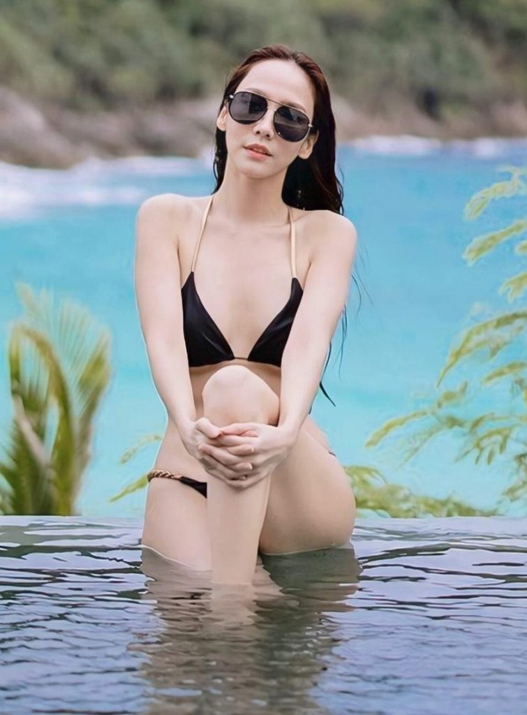 ชุดว่ายน้ำ อั้ม พัชราภา 2020