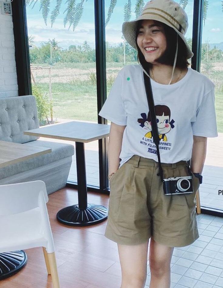กางเกงทรงลุงขาสั้น ง่ายๆกับเสื้อยืดก็ดูเท่น่ารักไปอีก