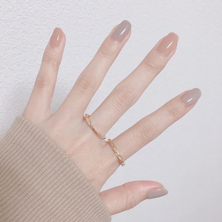 ทาเล็บสีธรรมชาติ สวยทำให้มือดูขาวขึ้น