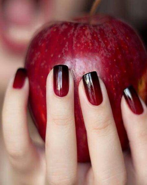 เล็บเจลสีแดง แดงแอปเปิ้ล