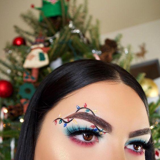 แต่งหน้าวันคริสต์มาสที่เน้นดวงตาที่สวยงาม