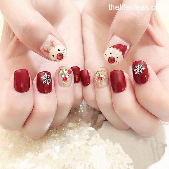 เล็บลายคริสต์มาส สีแดงสวยเด่น