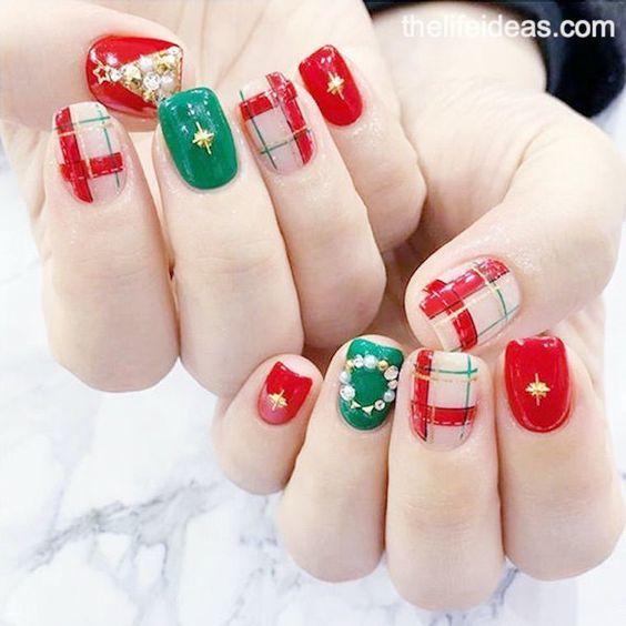 เล็บลายคริสต์มาส  สีเขียวแดง สดใส